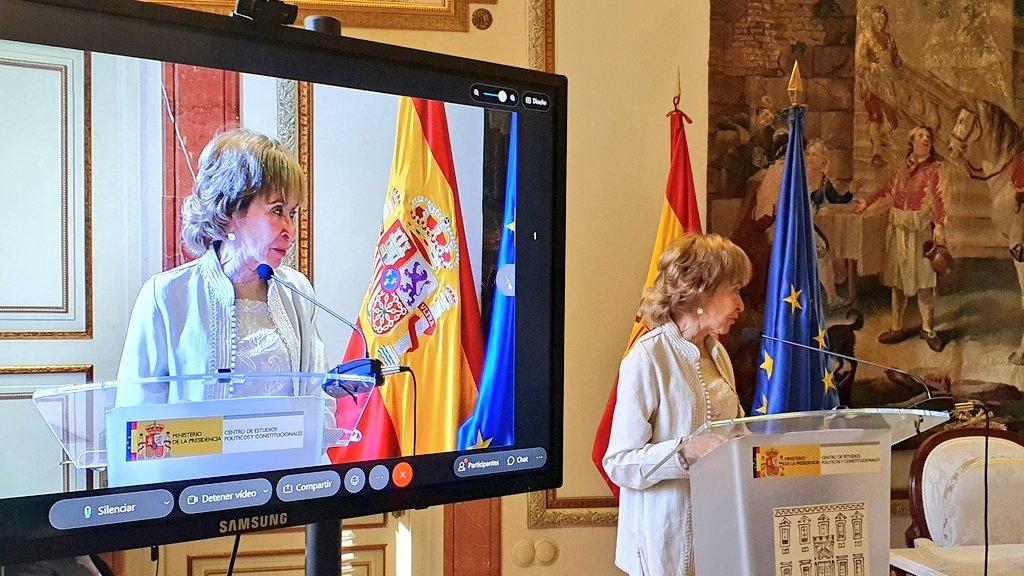Fernández de la Vega: «Sería importante que la Carta de Derechos Digitales se convirtiera en Ley Orgánica, porque se refiere a derechos fundamentales»